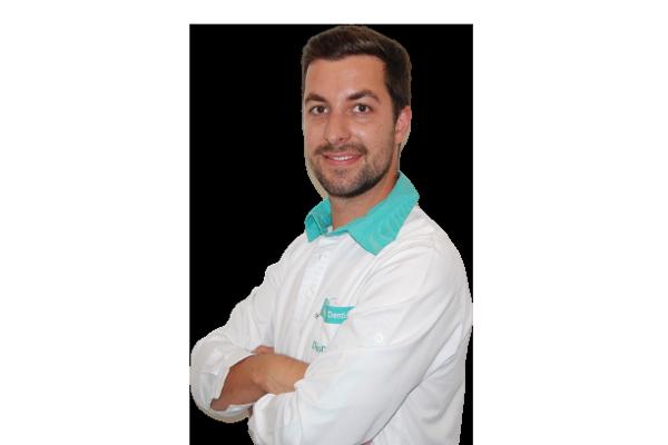 Dr. Tiago Conveniente